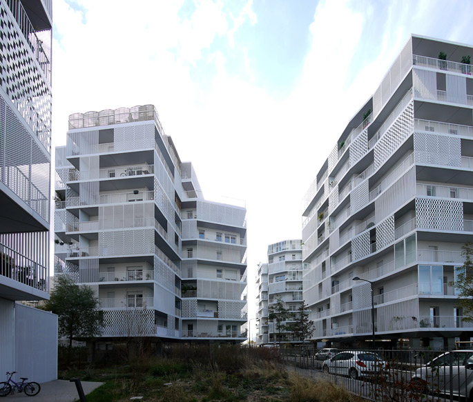 a+t visits Housing in Clichy by Hamonic + Masson