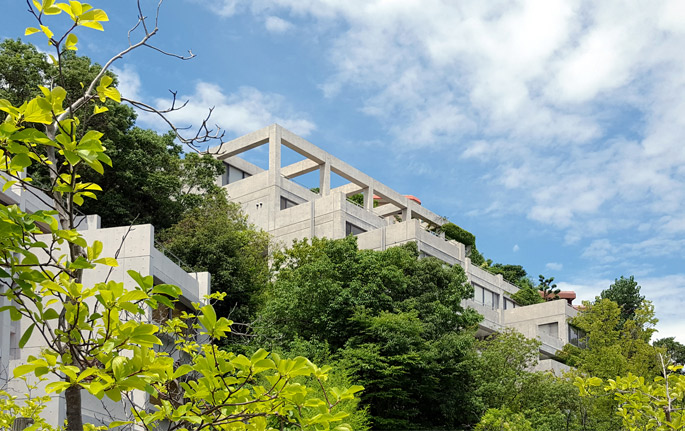 a+t visits Rokko Housing. Japanese lineages Tour