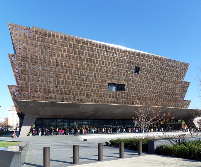 Freelon Adjaye Bond/SmithGroup. Smithsonian National Museum of African American History and Culture. Washington, DC 2016